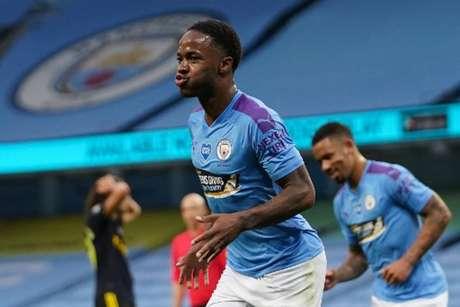 Sterling é alvo de interesse do Barcelona (DAVE THOMPSON / AFP)