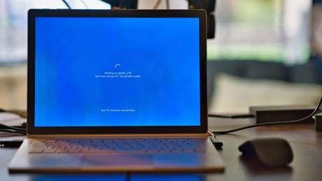 Se teve algum problema depois do update, veja como desinstalar uma atualização no Windows 10