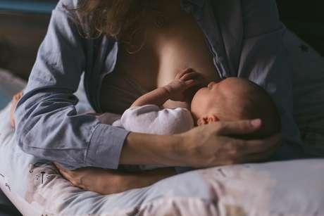 Os anticorpos podem chegar no bebê por meio do leite materno