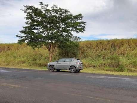 Jeep Compass fez o trajeto de ida com etanol e o de volta com gasolina.