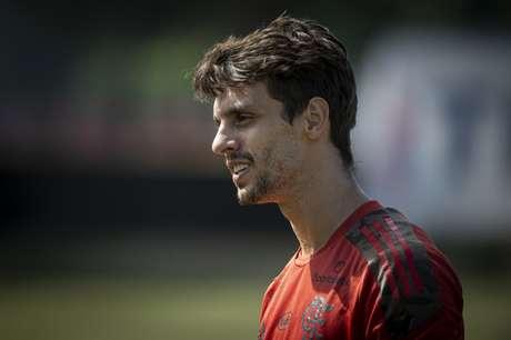 Rodrigo Caio durante atividade no Ninho do Urubu (Foto: Alexandre Vidal/Flamengo)