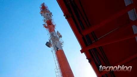 Nova lei quer flexibilizar regras para antenas de celular em São Paulo