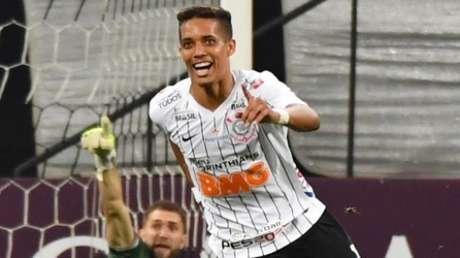 Pedrinho deixou o Corinthians após o Paulistão 2020 (Foto: AFP)