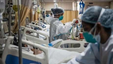 Nas últimas semanas, Índia vive período mais difícil desde o início da pandemia de covid-19