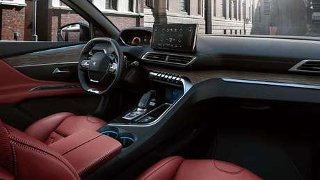 Peugeot 3008: nova central multimídia de 10'' e acabamento mais refinado.