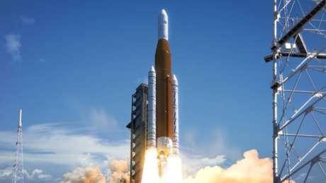 Lançamento do NASA SLS no Stennis Space Center