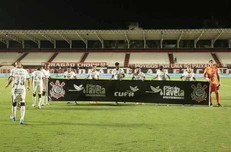 Corinthians de Sylvinho tem 33% de aproveitamento em quatro partidas (Foto: Rodrigo Coca/Ag.Corinthians)