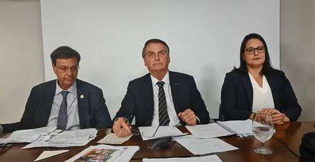 O presidente Jair Bolsonaro em sua tradicional 'live' de quinta-feira