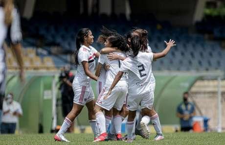 Equipe de base feminina do São Paulo já tem data de estreia na temporada (Foto:  Adriano Fontes/CBF)