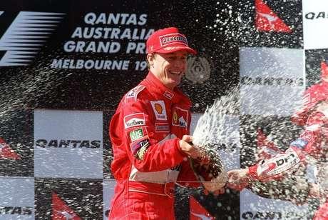 Eddie Irvine foi companheiro de Michael Schumacher na Ferrari