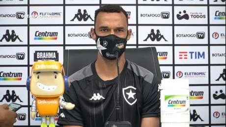 Zagueiro é um dos mais experientes do elenco (Foto: Reprodução/Botafogo TV)