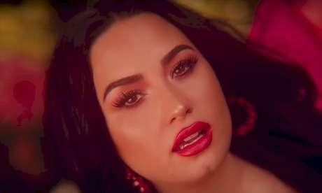 Demi Lovato teme pela carreira após abandonar lado sexy