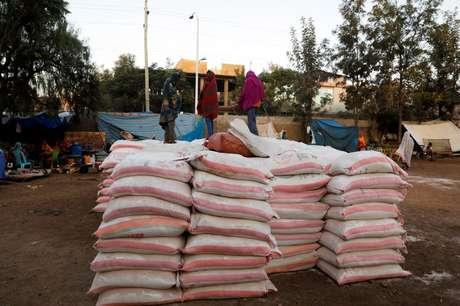 Doações de alimentos em Shire, região de Tigré, na Etiópia 15/03/2021 REUTERS/Baz Ratner