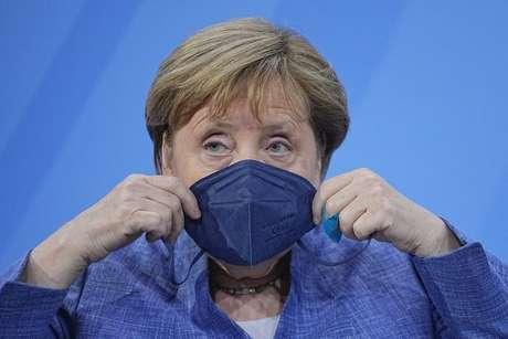 Chanceler alemã, Angela Merkel, durante reunião com governadores de Estados do país em Berlim 10/06/2021 Michael Kappeler/Pool via REUTERS
