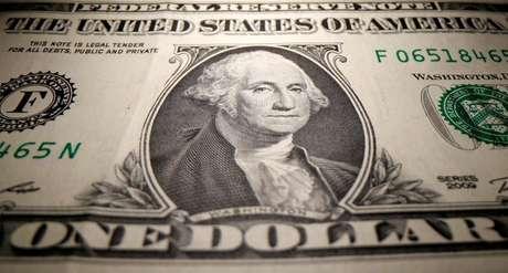 Dólar fecha com variação negativa de 0,07%, a R$5,0669 26/05/2020 REUTERS/Dado Ruvic/Ilustração