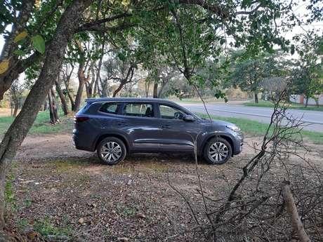 Caoa Chery Tiggo 8: SUV grande permite transportar até 7 pessoas com bom espaço.
