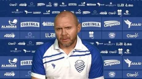 Mozart Santos foi um nome sugerido pelo atual diretor de de futebol Rodrigo Pastana (Reprodução/Ascom CSA)