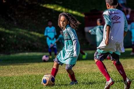 Miguel Reis joga no sub-11 do Fluminense e está envolvido com o clube desde os sete anos (Foto: Divulgação)