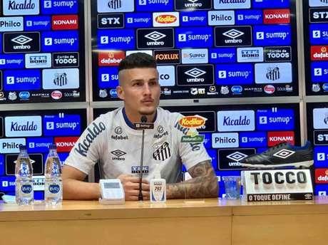 Danilo Boza foi apresentado pelo Santos nesta quinta-feira (FOTO: Divulgação/Santos FC)