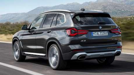 Novo BMW X3: novo para-choque e lanternas de led com efeito 3D.