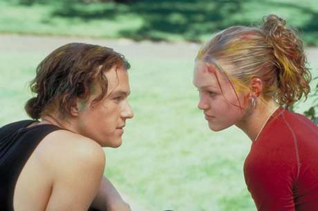 Heath Ledger e Julia Stiles em 10 Coisas que eu Odeio em Você