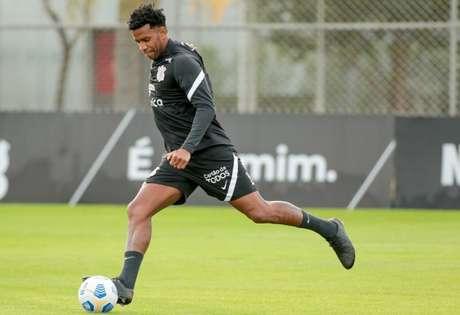 Gil deve ser titular neste sábado, no clássico contra o Palmeiras, no Allianz (Foto: Rodrigo Coca/Ag. Corinthians)