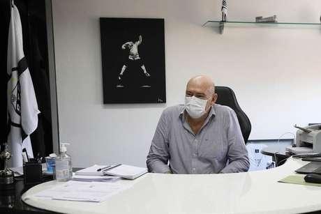 Andres Rueda participou da reunião do Conselho Deliberativo (FOTO: Pedro Ernesto Guerra Azevedo/Santos FC)