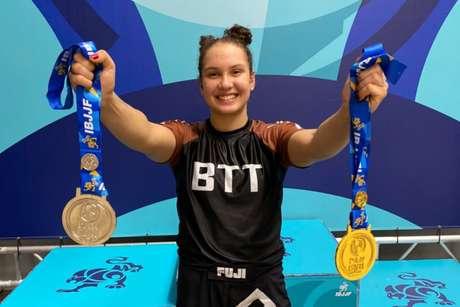Maria Ruffatto faturou duas medalhas no Pan-Americano de Jiu-Jitsu sem kimono em sua estreia na faixa-marrom (Foto: arquivo pessoal)