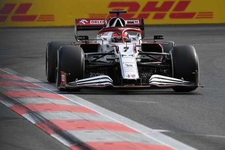 Kimi Räikkönen foi aos pontos pela primeira vez em 2021 no GP do Azerbaijão. O finlandês terminou na décima posição