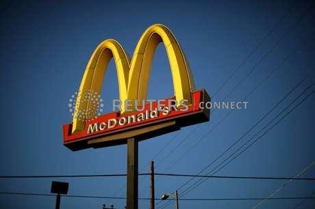 Logotipo de loja do McDonald's em Los Angeles. 24/10/2017. REUTERS/Lucy Nicholson