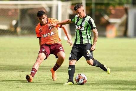 Malcoon em ação pelo América Mineiro (Foto: Divulgação)