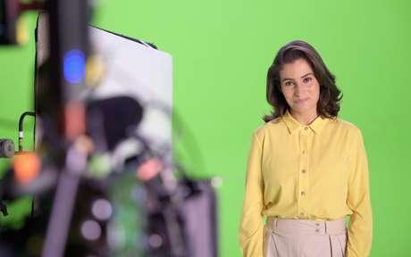 Renata Vasconcellos nos bastidores de gravação de mensagem de fim de ano da emissora