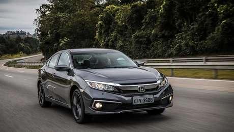 Honda Civic Touring passou a custar R$ 157.400, ou seja, R$ 2.300 a mais do que em maio.