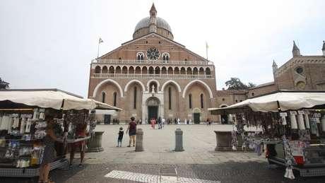 Há uma basílica para Santo Antônio em Pádua