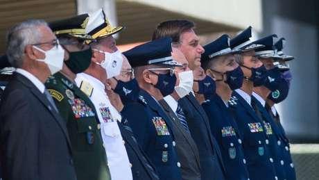 Com Bolsonaro, militares voltaram ao poder sem ruptura institucional