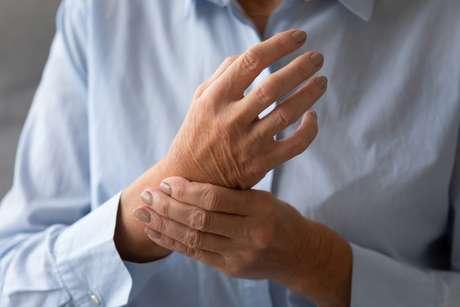 Em alguns pacientes é necessário realizar o procedimento cirúrgico para os sintomas não serem tão graves
