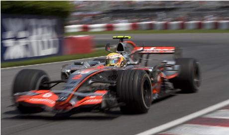 Lewis Hamilton conquistou uma vitória em sua sexta corrida na F1, mas a caminhada foi longa.