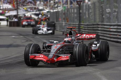 Fernando Alonso venceu nas ruas de Mônaco.
