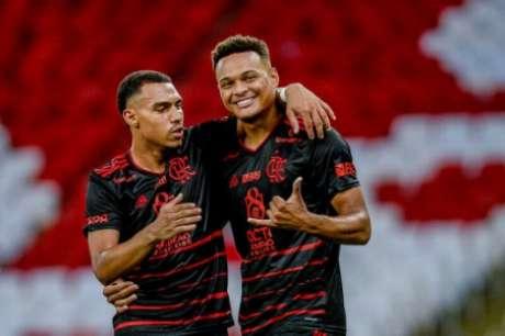 Jovens ganham espaço no Flamengo (Foto: Marcelo Cortes/Flamengo)