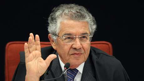 Prestes a completar 75 anos, o ministro Marco Aurélio Mello informou que vai se aposentar em 5 de julho