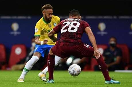 Neymar fez um gol e deu uma assistência contra a Venezuela (EVARISTO SA / AFP)
