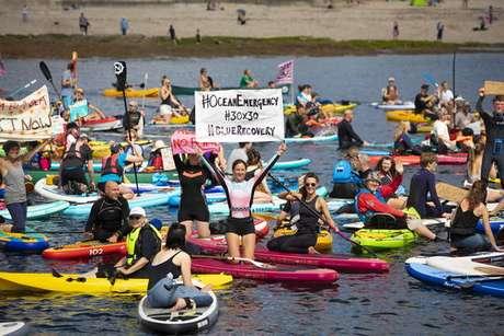 Protesto por medidas contra mudanças climáticas em Cornualha