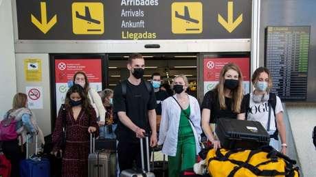 Espanha abriu a fronteira para turistas vacinados, mas Brasil está excluído da lista por apresentar 'especial risco epidemiológico'