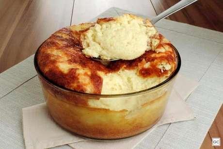 Guia da Cozinha - Suflê de batata com molho branco