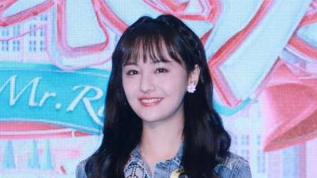 A atriz Zheng Shuang foi criticada por seu alto salário
