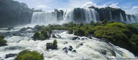 O Parque Nacional do Iguaçu, onde ficam as famosas cataratas, é a segunda unidade de conservação mais visitada do Brasil