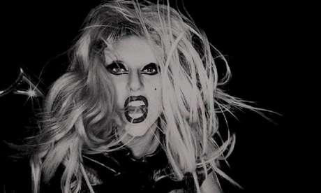 Gaga revela capa da edição comemorativa de 'Born This Way'