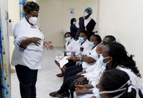 Quênia inicia campanha de vacinação contra o coronavírus em Nairóbi 05/03/2021 REUTERS/Monicah Mwangi/Foto de arquivo