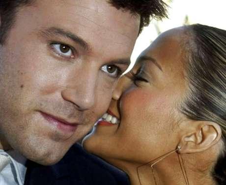 Ben Affleck e Jennifer Lopez  9/2/2003   REUTERS/Fred Prouser