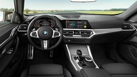 BMW Série 4 Gran Coupé: painel de instrumentos digital de 12,3'' e central multimídia iDrive.